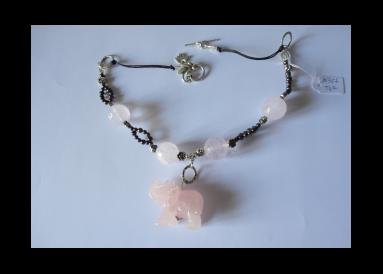 Collier en quartz roses avec elephant
