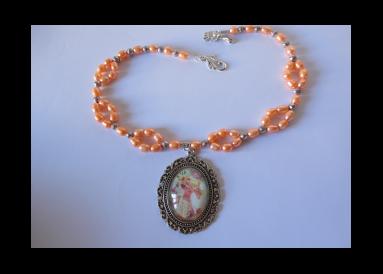 Collier en perles avec camée
