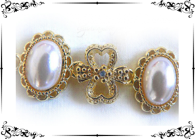 perles sur marcassite dorée (imitations) détail