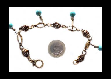 bracelet fantaisie avec turquoises véritables breloques témoin
