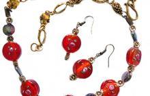 parure rouge perles à la lampe et nacre noire