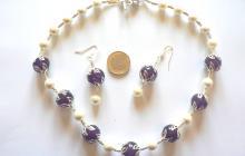 parure perles de nacre et améthystes polies