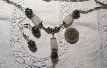 tourmalines vertes et quartz blancs laiteux